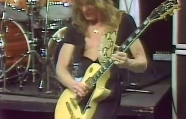 Ozzy Osbourne : Crazy Train (Featuring Randy Rhoads)